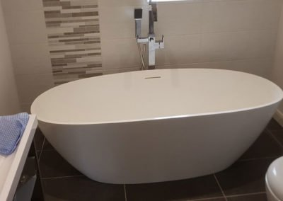 New bathroom installation - oval bath tub